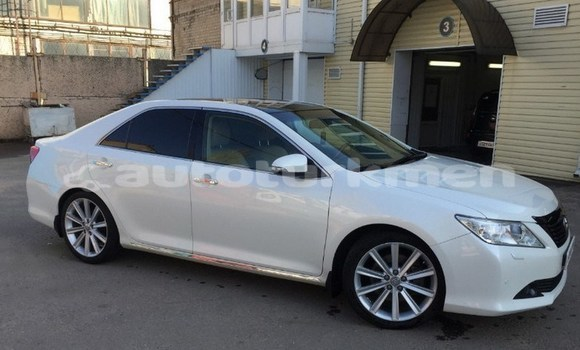 Buy Used Toyota Camry White Car in Asgabat in Asgabat
