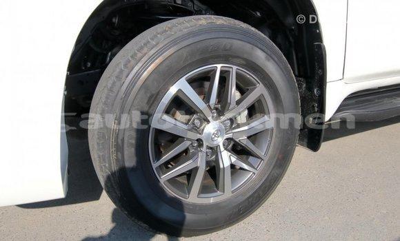 Buy Import Toyota Prado White Car in Import - Dubai in Ahal