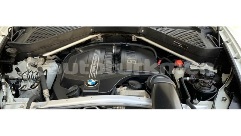 Big with watermark bmw k ahal import dubai 3266