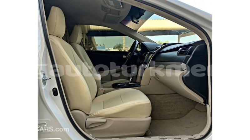 Big with watermark toyota camry ahal import dubai 3782