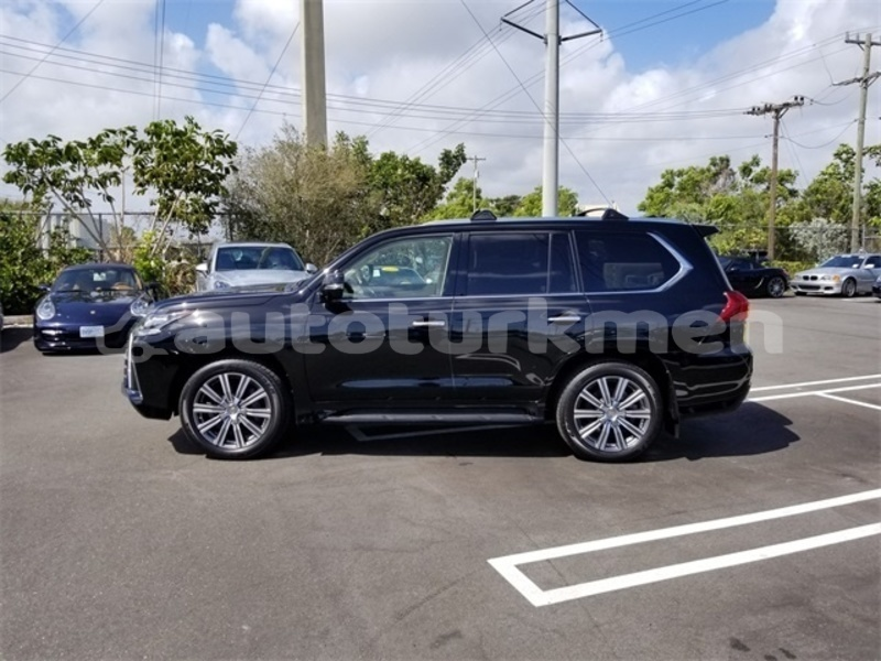 Big with watermark 2017 lexus lx 570 pic 2812285401754266181 1024x768