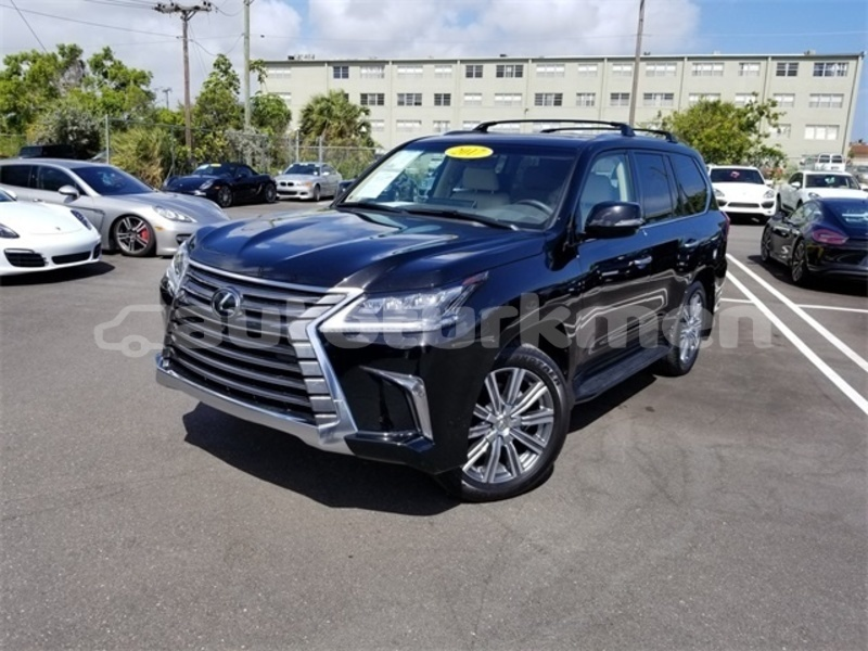 Big with watermark 2017 lexus lx 570 pic 7885907591869825737 1024x768